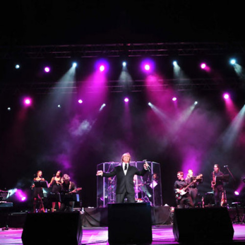 Engelbert Humperdinck 2010 Legacy of Love World Tour